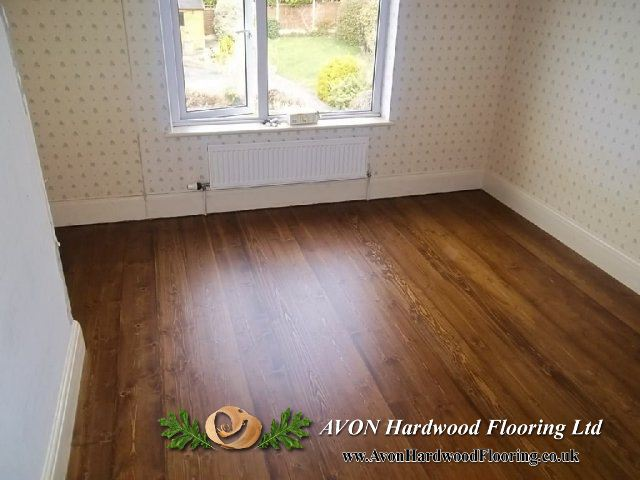 Wooden parquet floor finishing