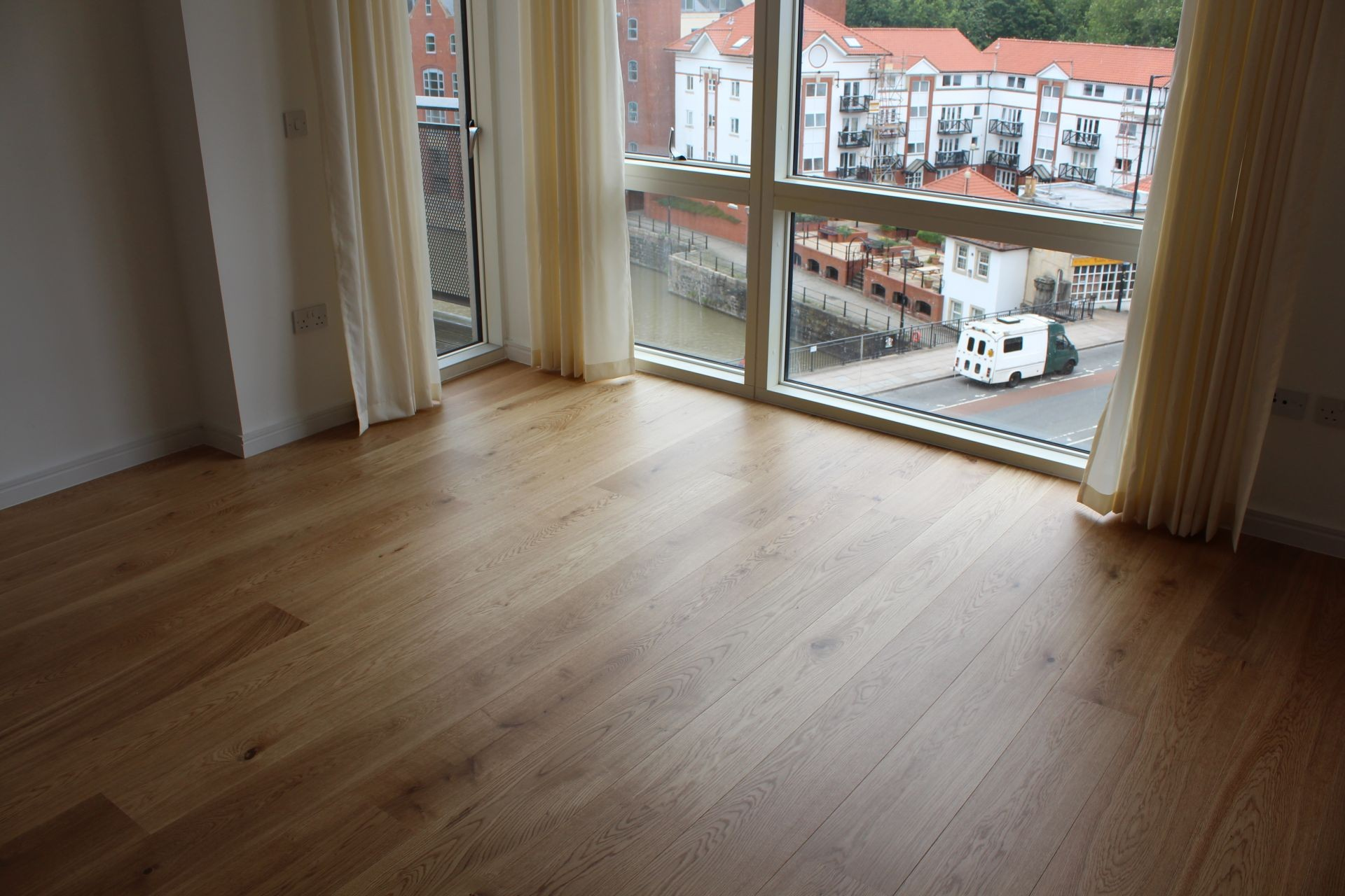 Natural oak engineered flooring